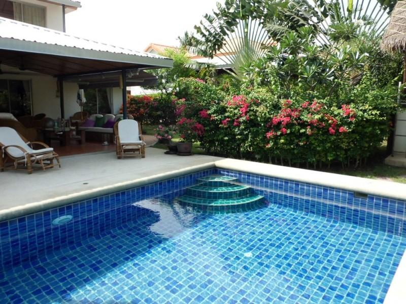Villas for rent in Hua Hin: V5398 - Image 1 - Hua Hin - rentals