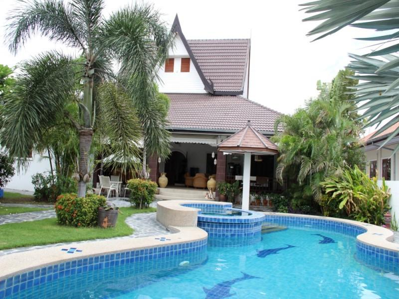 Villas for rent in Hua Hin: V6038 - Image 1 - Hua Hin - rentals