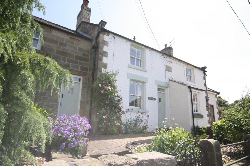 Wren Cottage Rated Excellent on Trip Advisor 2013 - Image 1 - Whitby - rentals