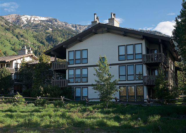 Sunny Ski Condo at the Base of Jackson Hole - Image 1 - Teton Village - rentals