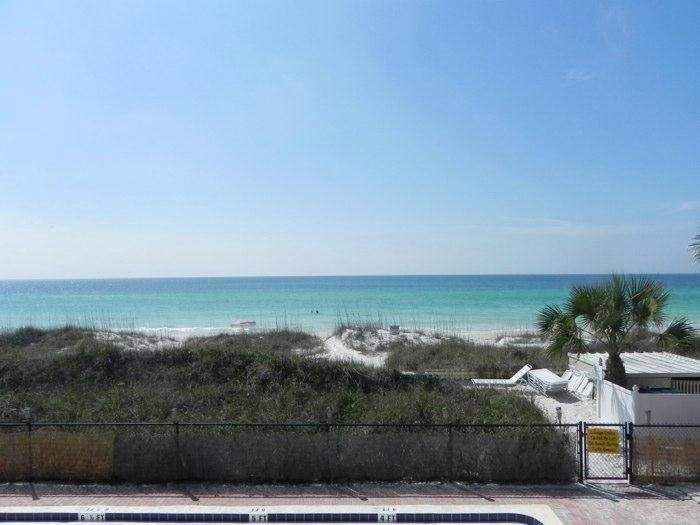 Club Bamboo Resorts - Gulf Front Rooms! - Image 1 - Holmes Beach - rentals