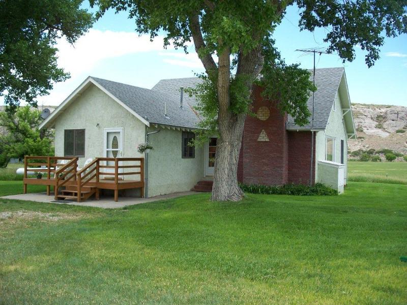 The three bedroom guest house is fully furnished and equiped - The Bear Creek Inn a 3 bedroom Country Guest House - Lagrange - rentals