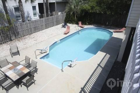 Private pool with lounge chairs - 4103 Palm Blvd, Isle of Palms - Isle of Palms - rentals
