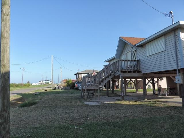 Front of House - Family beach house retreat - Crystal Beach - rentals