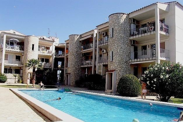 Apartment With Pool - HUTG-011094 - Image 1 - Empuriabrava - rentals