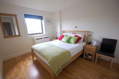 Bedroom - Nothing old school about this superb one bed at Kings Cross - London - rentals