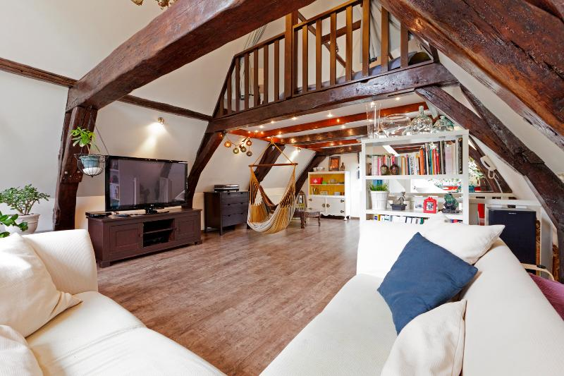Lounge area - Spacious Loft 5 minutes walk from Dam square - Amsterdam - rentals