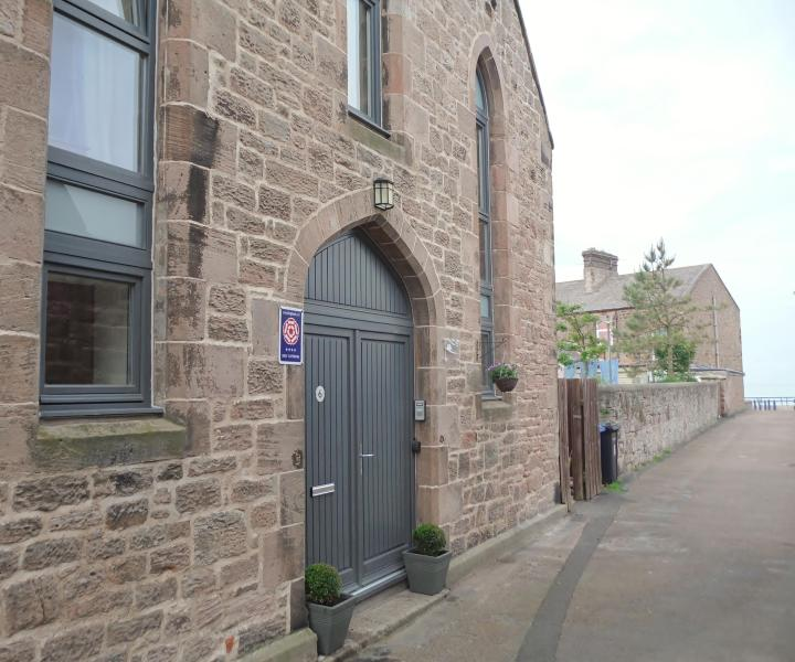 Front door looking along the lane to the sea and beach - Stunning garden beach flat w/WiFi - Berwick upon Tweed - rentals