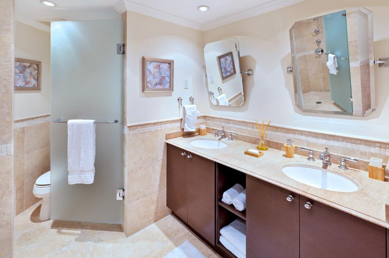 Sapphire Beach 517: Tropical Oceanfront Penthouse Living - Image 1 - Dover - rentals