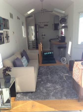 CONTEMPORARY TWO LEVEL STAND-ALONE CONDO - Image 1 - Rehoboth Beach - rentals