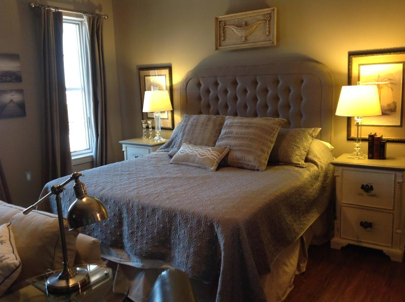 King Size Bed with luxurious linens - Gulf View Top Floor -Full Size Fridge / 2 Bikes - Seacrest Beach - rentals