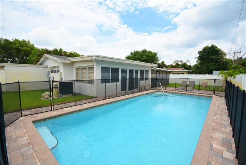 The Vacation Villa # 1120  North Miami Beach, FL - Image 1 - Miami - rentals