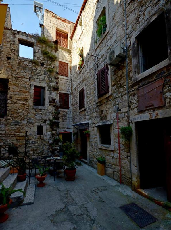 outside - Apartment for 2 in the palace - Split - rentals