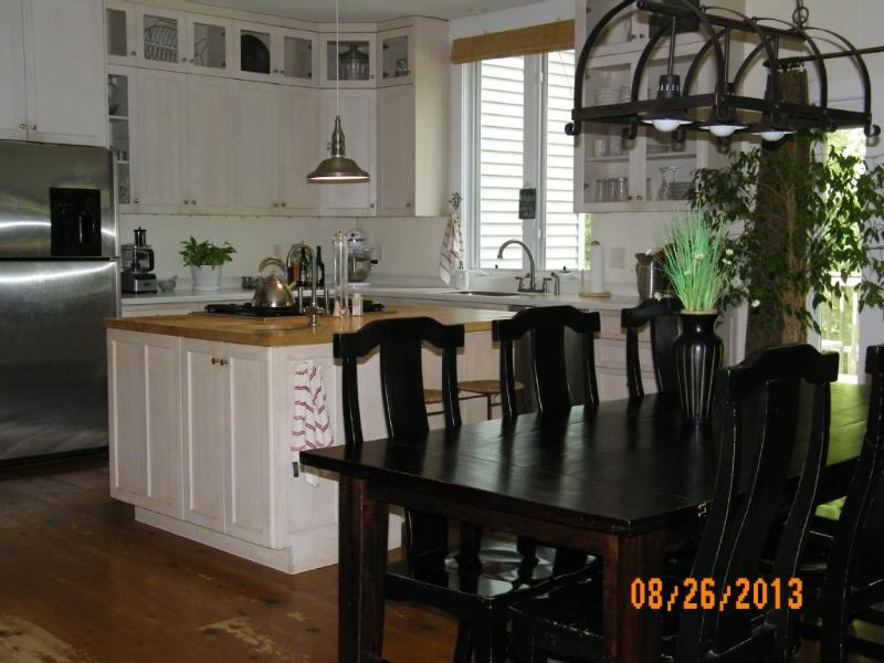 Kitchen/dining - Private Escape ~ Family/Group ~ Charlottesville ~ - Charlottesville - rentals