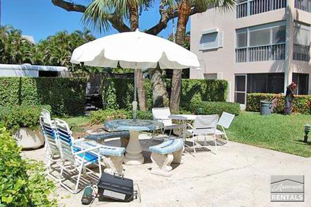 Beautiful 1st floor condo in Olde Naples just 3 blocks from the beach - Image 1 - Naples - rentals