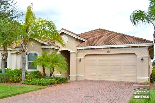 Spacious 3b/2b pool home with lake and full golf membership! - Image 1 - Naples - rentals