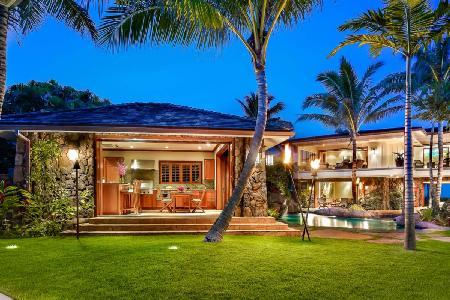 Royal Kailua Estate - Upscale Private Beachfront Resort with Stunning Courtyard - Image 1 - Kailua - rentals