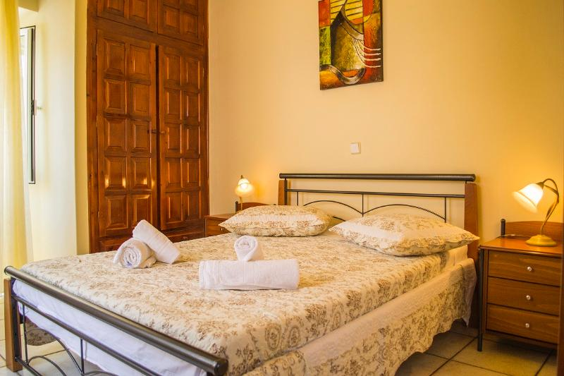 Double bed room - Center Appartment Gaios - Gaios - rentals
