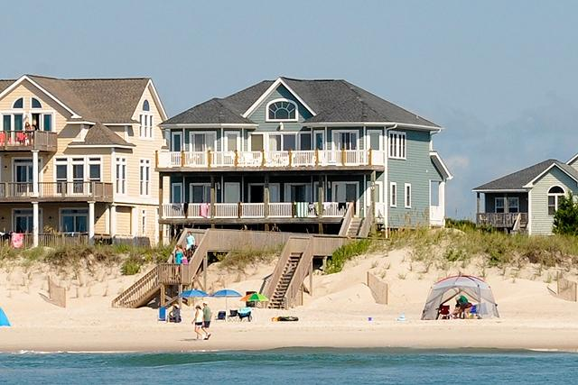 I'm on a boat! - Porpoise Place 30 Oceanfront!   Elevator, Internet, Fireplace, Linens Provided, Jacuzzi - North Topsail Beach - rentals