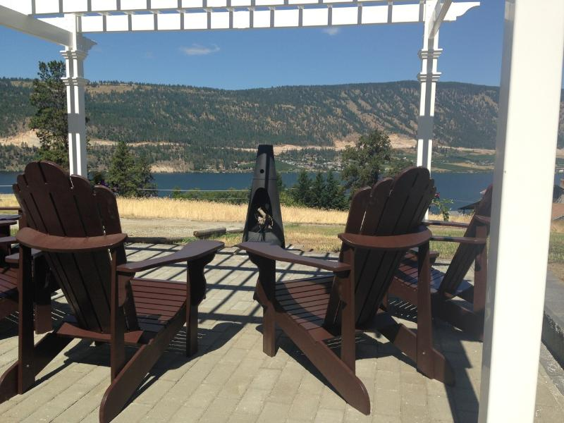 enjoy the view under the sun and stars! - Unique Family and Group Getaway-Lake and Vines! - Kelowna - rentals