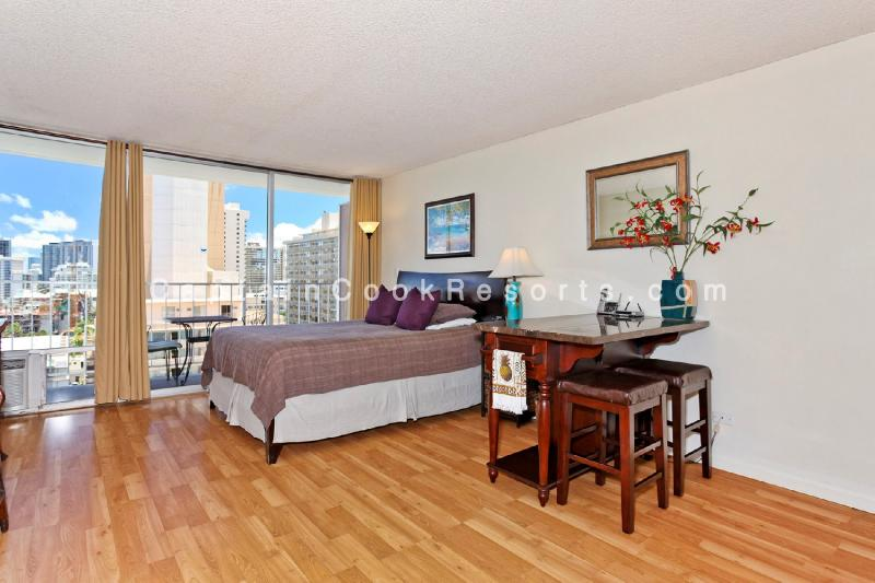 Marine Surf #1204 - Heart of Waikiki studio with kitchenette, AC, FREE WiFi, & parking! Sleeps 2 - Image 1 - Waikiki - rentals