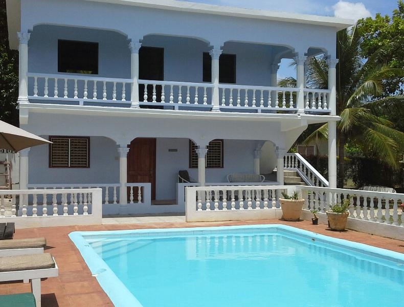 Tamarind is on the ground floor - Tamarind Studio Apartment with AC - Ocho Rios - Ocho Rios - rentals
