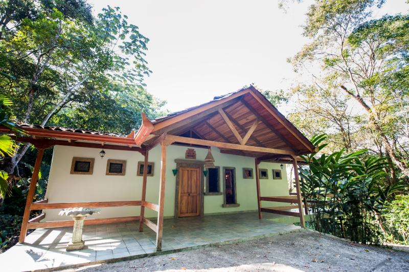 Front view - 4BR Rain Forest Retreat! Private Pool, Spa on site - Manuel Antonio - rentals