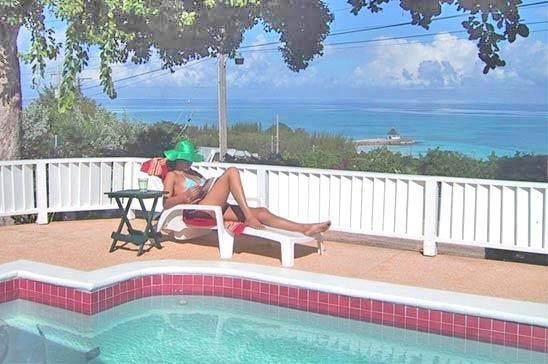 Miss P's Place: Perfect Place for Family & Friends - Image 1 - Silver Sands - rentals