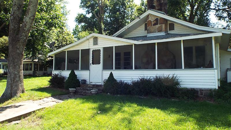 The Beauty & Charm of Lake Taneycomo - Image 1 - Branson - rentals