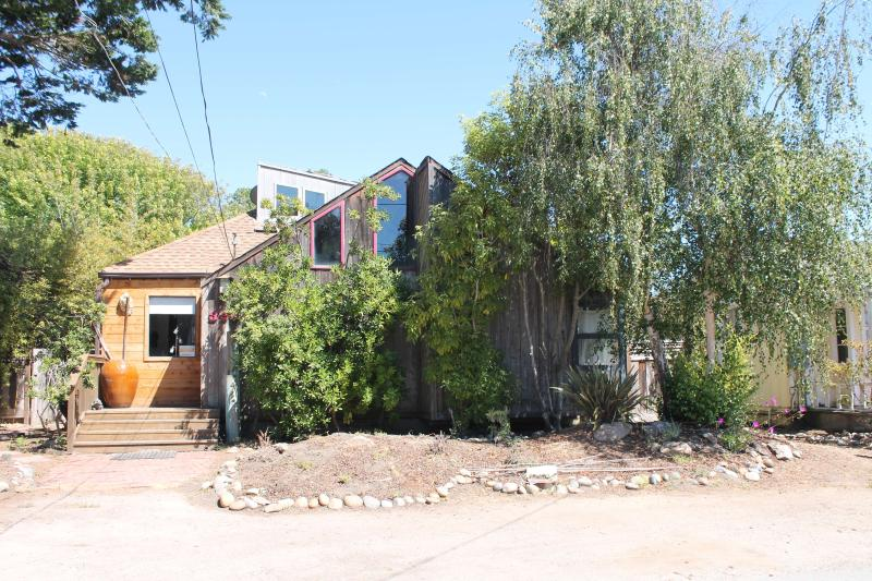 Seaside Haven - Steps to Twin Lakes Beach - Seaside Haven (Steps to Twin Lakes Beach, Hot Tub) - Santa Cruz - rentals