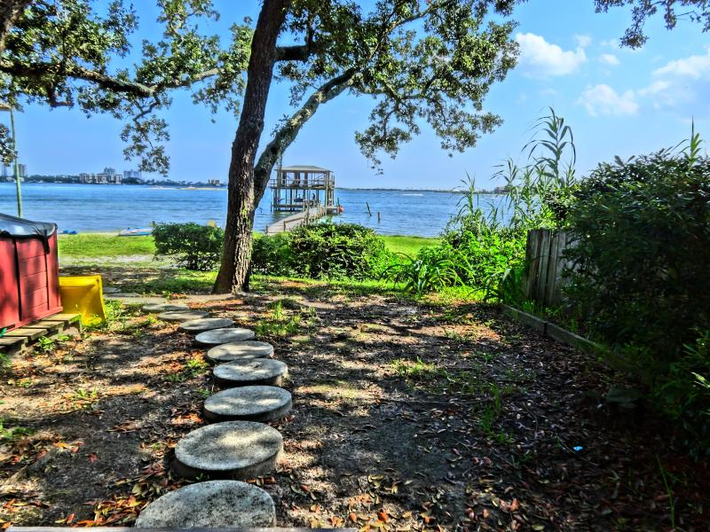 "A "" Peaceful Retreat "" - Image 1 - Pensacola - rentals"