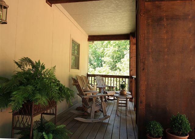 Cones B4 is walking distance to Bass Lake, this luxurious condo has it all - Image 1 - Blowing Rock - rentals