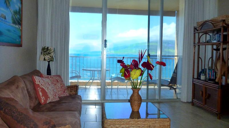 Inside with Oceanfront Views - Oceanfront, Penthouse Condo in Kihei, Maui - Kihei - rentals