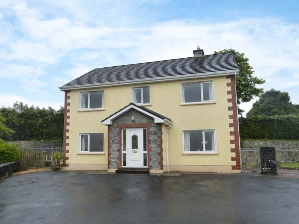SKELLIG ARD, open fire, pet-friendly, ground floor bed and bath, in Clonbur, Ref. 904454 - Image 1 - Clonbur - rentals
