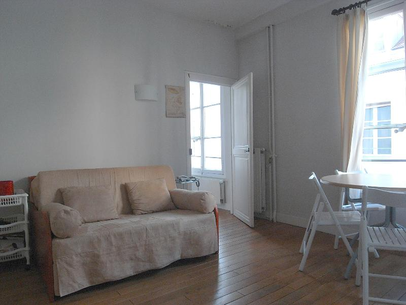 GREAT PLACE TO BE IN ST GERMAIN 76 - Image 1 - Paris - rentals