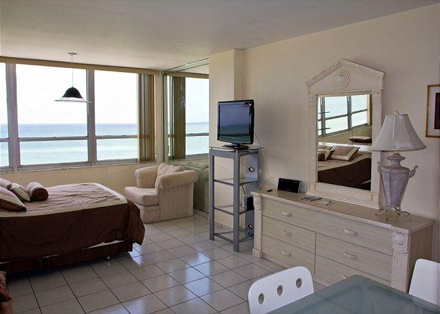 Splendid OCEAN VIEW Studio - Image 1 - Miami Beach - rentals