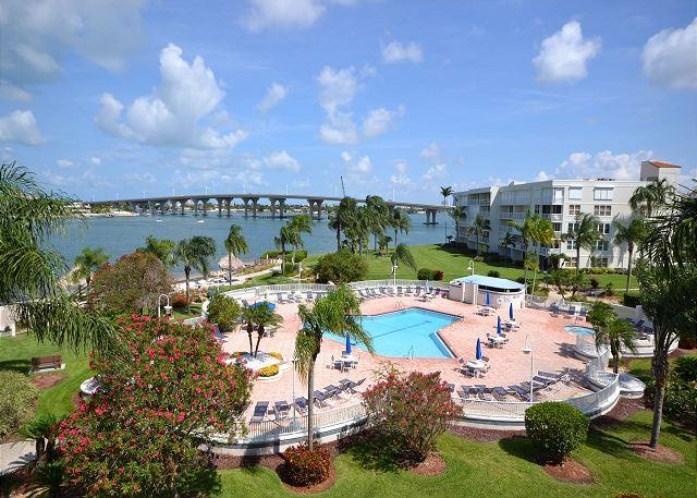 Bahia Vista 12-442 Beautiful Condo with Don CeSar and Bay Views! - Image 1 - Saint Petersburg - rentals