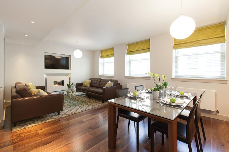 Exclusive Luxury 3 bedroom Mews House - Image 1 - London - rentals
