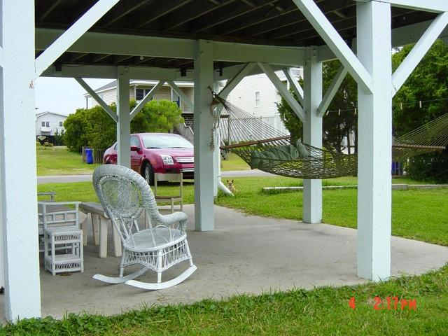 Outdoor Setting Area - Shabby Chic Cottage with ocean view on water canal - Street - rentals