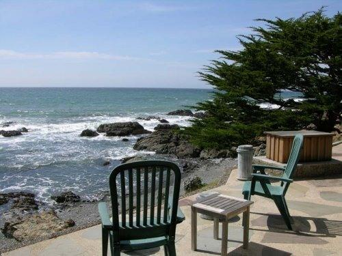 Beautiful flagstone deck on the bluffs of the Pacific Ocean. - Beautiful Cambria Oceanfront Home - Cambria - rentals
