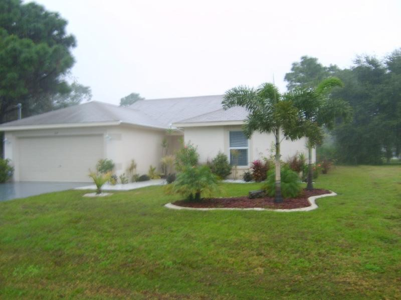 Front of House - Pool Home! Beaches, Golf, Shopping! - Rotonda West - rentals