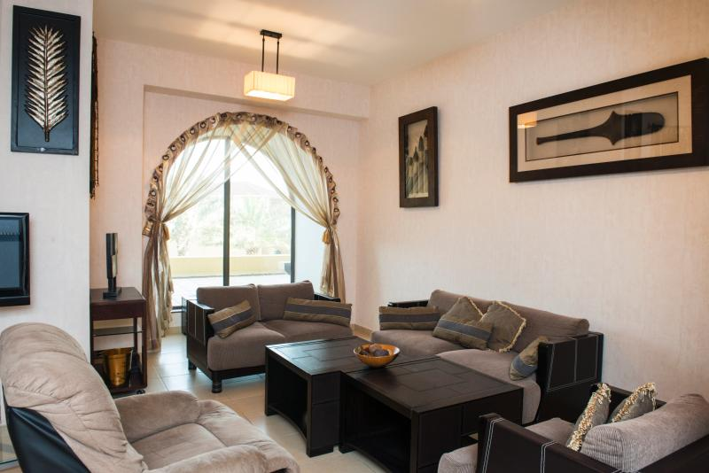 Dubaitostay - Rimal 6- 3 Bedroom apartment - Image 1 - Jumeirah Lake Towers - rentals