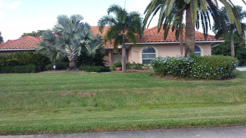 1200 Kingswood Lane - POOL JACUZZI & TIKI  / GREAT KITCHEN - Fort Pierce - rentals
