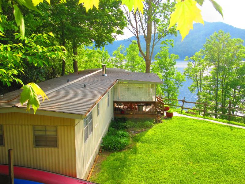 Great Sunsets! hot tub, wi fi, lake access $80.00! - Image 1 - Lake Nantahala - rentals