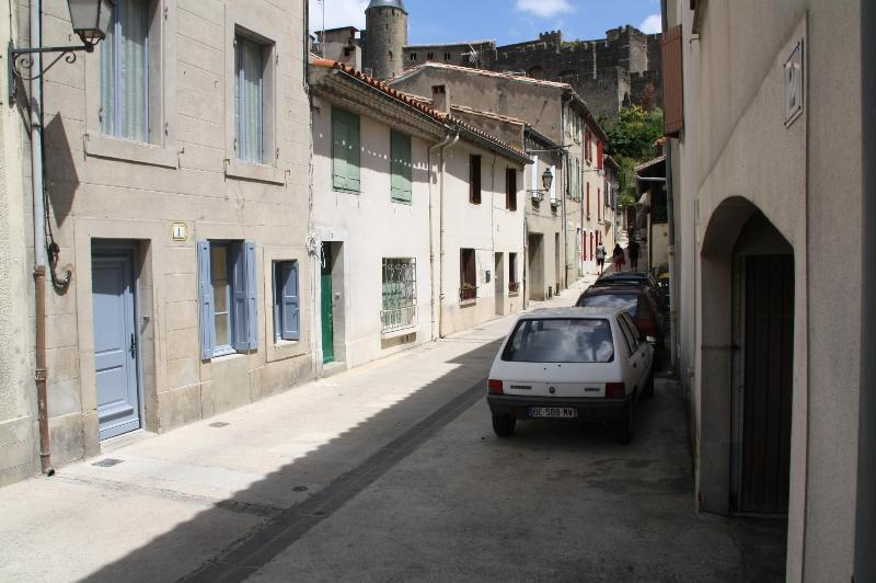 street, blue house - triplex apartment in Carcassonne in southern Franc - Carcassonne - rentals