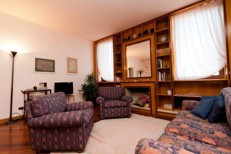 CA' ROSA S.MARCO 5 minute walking from S.Marco - Image 1 - Venice - rentals