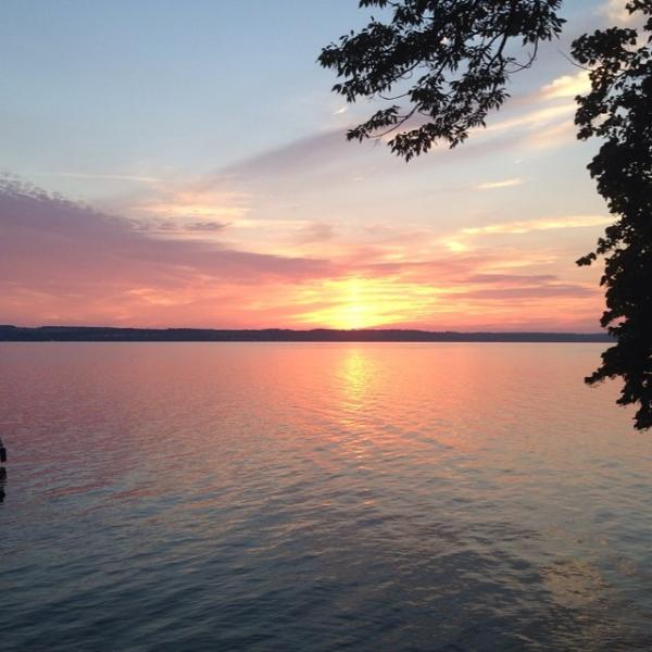 Enjoy sunsets from your own dock or out the windows - Finger Lakes Region, Seneca Lake, Wine Country - Romulus - rentals
