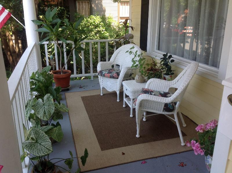 The front porch is a great place for relaxing and visiting with the neighbors. - Savannah Charm: Maupas Bungalow - Savannah - rentals