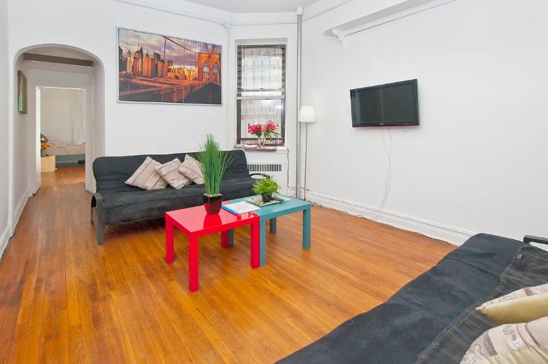 Beautiful 1BR Apartment - Walk to Central Park - Image 1 - New York City - rentals