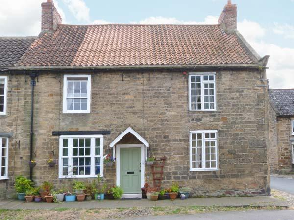 BAKERS COTTAGE, pet friendly, character holiday cottage, with a garden in Gilling West Near Richmond, Ref 3826 - Image 1 - Gilling West - rentals